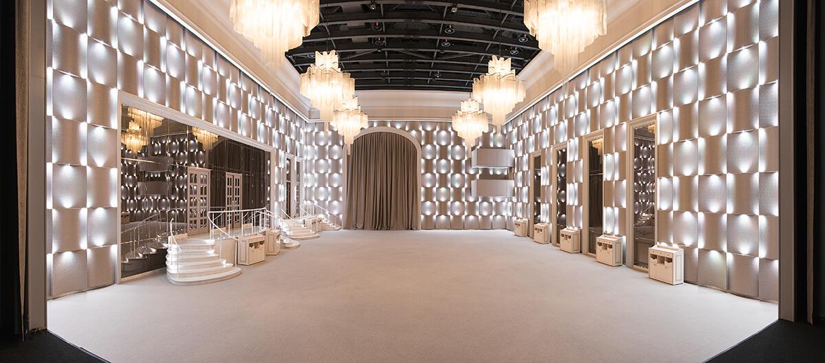 Большой зал без мебели1